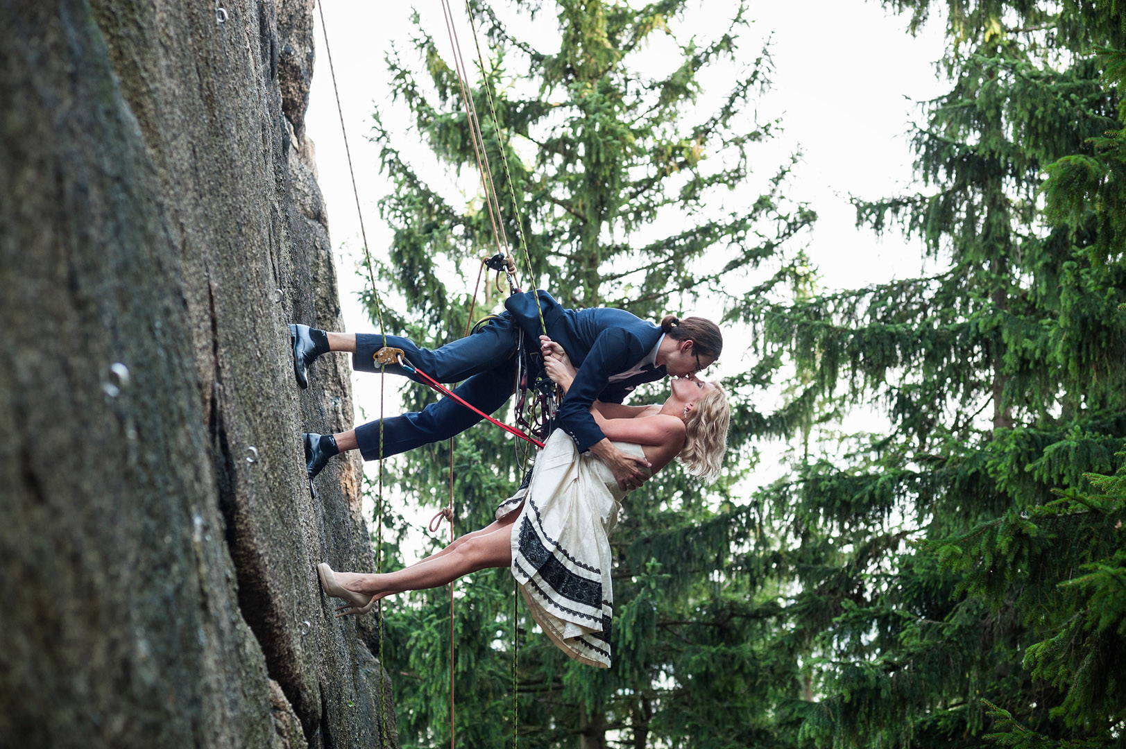 Wspinaczkowy ślub i plener | Sokoliki